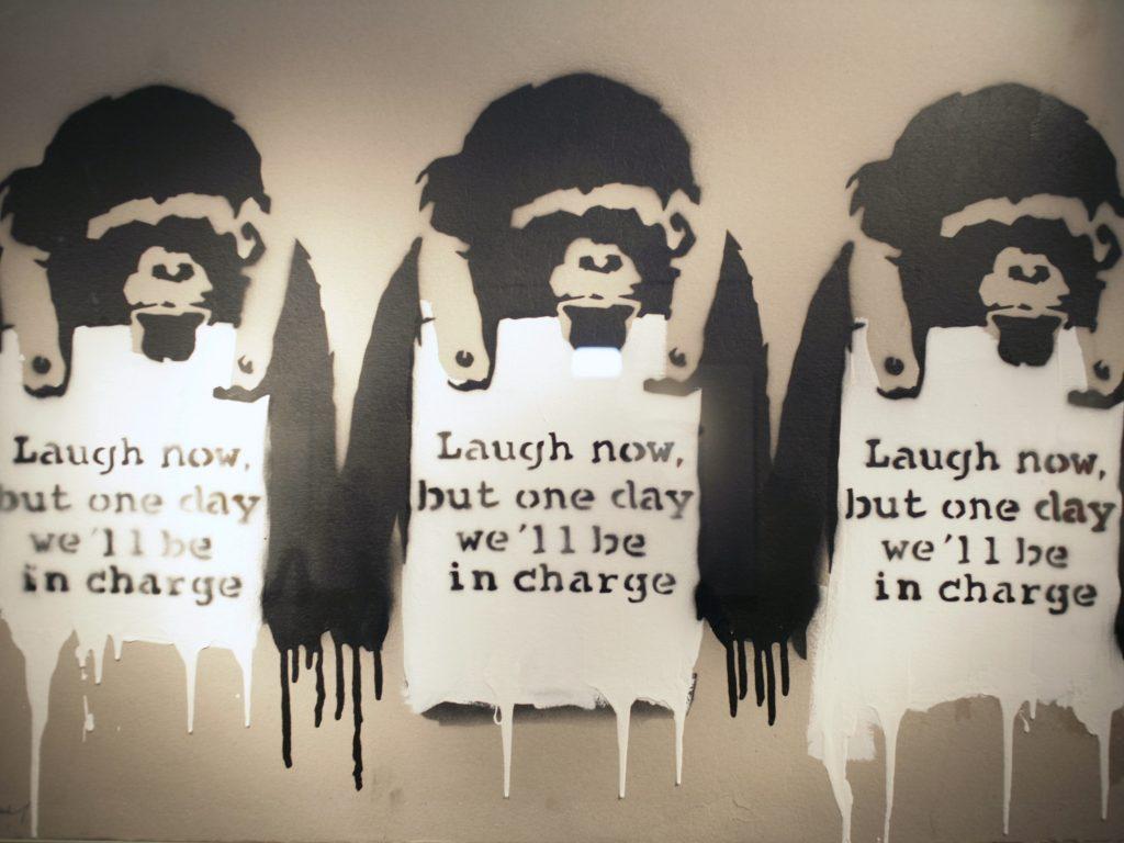 War, Capitalism & Liberty: tutta la disobbedienza di Banksy per la prima volta in Italia