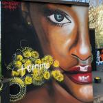 L'otto per le donne, il murales di Cheris e Amina assieme a Elica Rossa e i ragazzi del liceo artistico Michelangelo di Como